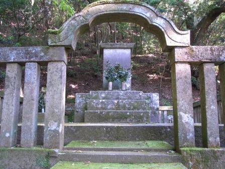 島津忠良の墓.jpg