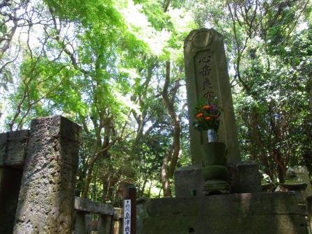 島津歳久の墓(大乗寺跡).jpg