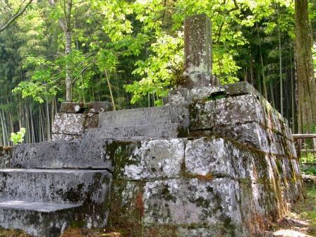 島津鶴寿丸の墓.jpg